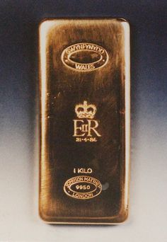 The ingot tof Welsh gold presented to Queen Victoria had been exhausted by the end of the 1960s and so, in 1986, a kilogram of 99% pure gold ingot  of Gwynfynydd gold was given to to HM Queen Elizabeth II to commemorate  her 60th birthday This will ensure in the future  the tradition of royal brides having Welsh gold wedding rings