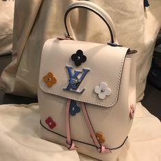 "569 curtidas, 8 comentários - LV Tyffani SF Bloomingdales (@lv_tyffani_sf) no Instagram: ""New launch: Locke me mini backpack Flower with add on bandouliere strap. #louisvuitton #lvtyffani…"""