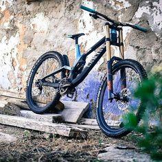 . Bike : Canyon Sender -Fox 40 float Fork -Fox X2 rear…