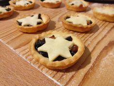 Kukoricalepény | Ájvi receptje - Cookpad receptek Pie, Cookies, Food, Torte, Crack Crackers, Cake, Fruit Cakes, Biscuits, Essen