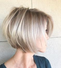 No matter your age, you can find the right short hair here. There are cutting-edge short hairstyles. In a few minutes, you'll find the best short hair inspiration. Short Bob Haircuts, Hairstyles Haircuts, Short Bob Cuts, Modern Haircuts, Bob Hairstyles For Fine Hair Choppy, Medium To Short Hairstyles, Short Blunt Haircut, Short Textured Bob, Short Stacked Bob Haircuts