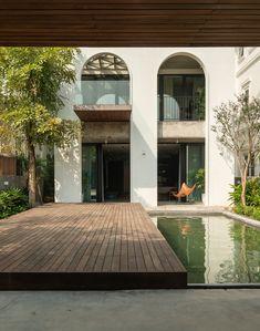 Gallery of Villa / Nemo Studio - 8 Beautiful Architecture, Architecture Details, Modern Architecture, Modern Villa Design, Modern Colonial, Architecture Concept Drawings, Island Design, Facade House, Exterior Design