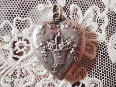 Beautiful victorian silver heart locket