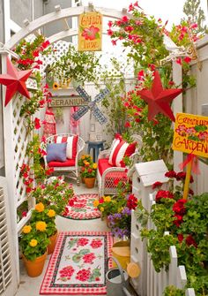 small space whimsy.... what an awesome use of  space! i love all the color!
