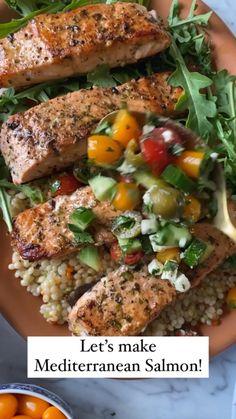 Mediterranean Salmon, Mediterranean Diet Recipes, Fish Dinner, Seafood Dinner, Salmon Recipes, Seafood Recipes, Recipes For Fish, Salmon Meals, Tilapia