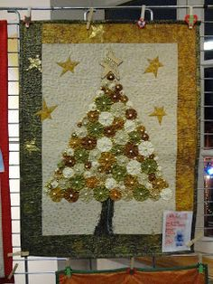 ~ Yoyo Christmas Tree Wall Hanging w/ Pearls ~