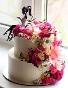Best 12 Colourful flower cake with a female silhouette – Page 298715387781008374 – SkillOfKing. 50th Birthday Cake For Women, Happy Birthday Cake Topper, Bolo Floral, Floral Cake, Flower Cake Toppers, Wedding Cake Toppers, Artist Cake, Silhouette Cake, Cupcakes Decorados