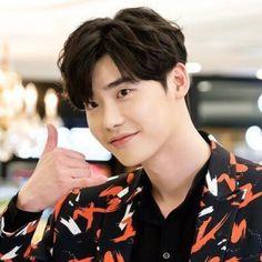 Korean People, Korean Men, Korean Actors, Lee Jung Suk, Lee Sung Kyung, W Korean Drama, Lee Jong Suk Wallpaper, W Two Worlds, Lee Young