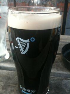 Descubra o melhor lugar para tomar uma Guinness em Londres.
