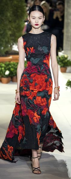 Oscar De La Renta Herbst-Winter - Konfektion - www. Couture Mode, Style Couture, Couture Fashion, Runway Fashion, Fashion Trends, Christian Dior, Christian Siriano, Beautiful Gowns, Beautiful Outfits