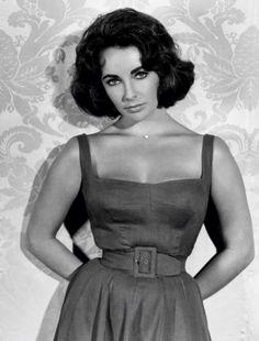 In memory of Dame Elizabeth Taylor who sadly died today at the age of Famed for her striking violet eyes and fiery temper, Elizabeth . Golden Age Of Hollywood, Vintage Hollywood, Hollywood Glamour, Classic Hollywood, Hollywood Stars, Hollywood Icons, Divas, Marlene Dietrich, Brigitte Bardot