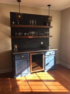Home Wet Bar, Diy Home Bar, Diy Bar, Home Bar Designs, Wet Bar Designs, Living Room Bar, Basement Remodeling, Basement Ideas, Custom Cabinets