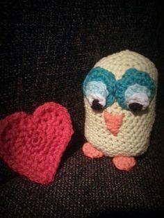 My first amigurumi: Owl in love