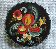 Norwegian rosemaling  Pinned from PinTo for iPad 