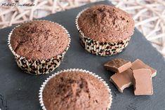 Rezept für Schokoladenmuffins. Die Muffins sind schnell zubereitet, schmecken schön schokoladig und sind luftig. Man kann sie auch variieren.