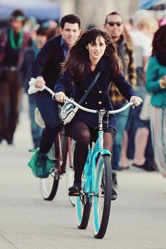 Zooey.. I want to be just like her.
