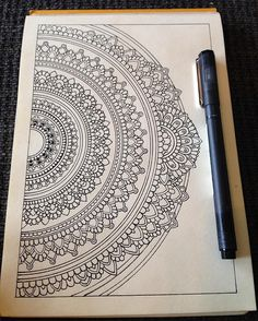 Drawing On Creativity Aaah! Friday is here and the weekend starts in a few hours! Looking forward to that and to put some colour on this little half mandala. Mandala Art Therapy, Mandala Art Lesson, Mandala Doodle, Zen Doodle, Doodle Art, Mandala Sketch, Worli Painting, Mandalas Painting, Mandalas Drawing