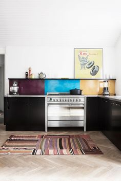 cool colorful yet minimalist kitchen [made a mano]