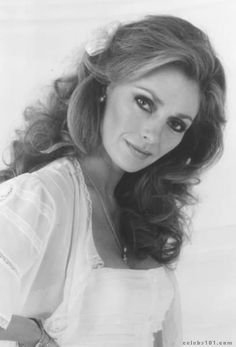 Jennifer O Hot Pictures Jennifer O'neill, Rare Images, Latest Pics, Classic Beauty, Hottest Photos, Photo Galleries, Celebs, Long Hair Styles, Cinema