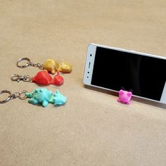 keychains for use with your smartphone. Small, practical and fun keychain with different forms of animals. In addition making a keychain, you can use Small 3d Printer, Best 3d Printer, 3d Printing Diy, 3d Printing Service, 3d Printer Designs, 3d Printer Projects, Useful 3d Prints, Stylo 3d, Smartphone