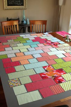 Plus Quilt - pattern using rectangles and squares. I want to do this for Rudy's quilts! Patchwork Quilting, Quilting Tips, Quilting Tutorials, Quilting Projects, Quilting Designs, Sewing Projects, Sewing Ideas, Sewing Tutorials, Plus Quilt