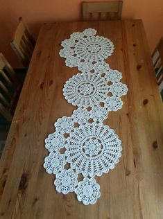 Good evening to all yapt runner s lounge team made the console the middleStudy in circles crochet motif table runner pattern – ArtofitOne of the most beautiful croc - SalvabraniHandmade home decor and more.Doileys table runner shabby chic vintage l Doilies Crafts, Lace Doilies, Crochet Doilies, Crochet Flowers, Crochet Home, Crochet Motif, Crochet Stitches, Free Doily Patterns
