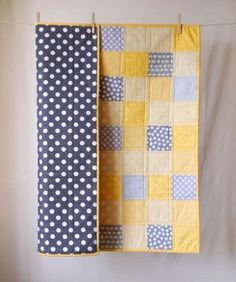 Love the fabric/colors! applikere noe på begge sider hvis ikke noe barnemotiv i stoffet.) BABY QUILT Modern Bold Grey and Yellow Baby Quilt, via Two Corner Quilts on Etsy.This bold, modern patchwork quilt will make an excellent way to welcome a litt Diy Quilt, Patchwork Quilt, Easy Quilts, Small Quilts, Patchwork Baby, Amish Quilts, Scrappy Quilts, Baby Boy Quilts, Girls Quilts