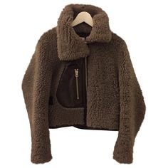Buy your lamb shearling ACNE STUDIOS on Vestiaire Collective, the luxury consignment store online. Second-hand lamb shearling ACNE STUDIOS Brown in Leather available. Fur Fashion, Winter Fashion, Womens Fashion, Stylish Winter Outfits, Cool Outfits, Coats For Women, Clothes For Women, Shearling Coat, Maxis