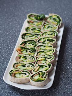 Grønne lakseruller med avokado Avocado, Entrees, Zucchini, Chips, Vegetables, Buffet, Mood, February, Summer Squash