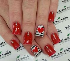 Discover See more about Cool Easy Nails, Easy Nail Art and Easy Nails. Cute Red Nails, Love Nails, Fun Nails, Cool Easy Nails, Simple Nails, Heart Nail Art, Heart Nails, Botanic Nails, Valentine's Day Nail Designs