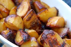 Marmite Roast Potatoes, you either love or hate Marmite, I love it and these potatoes are so delicious, vegan and vegetarian for Jacquie Veggie Recipes, Vegetarian Recipes, Cooking Recipes, Healthy Recipes, Oven Recipes, Marmite Recipes, Perfect Roast Potatoes, Healthy Snacks, Healthy Eating