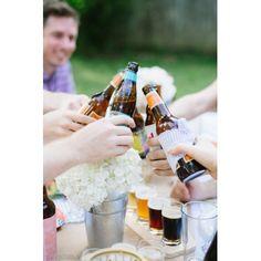 SORTEAMOS 12 botellas de cerveza artesana Birra 08 personalizada CREA TU PROPIA ETIQUETA PERSONALIZADA EN 3 SENCILLOS PASOS. 1. Elija el diseño de etiqueta que más le convenga. 2. Agregue los textos de la etiqueta de su cerveza. 3. Pon las cervezas a enfriar en pocas horas ya podrás disfrutar de ellas. CONSIGUE TUS PAPELETAS ;)