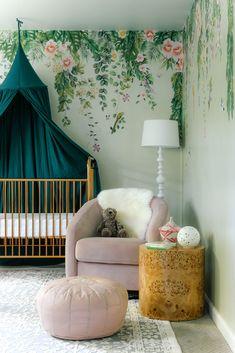 Nursery Crafts, Nursery Room, Baby Room, Green Nursery Girl, Kids Room Wallpaper, Nursery Inspiration, Girl Room, Home Deco, Sage