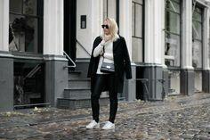monochrome style bykrog fashion strret style teddy coat leather leggings white turtleneck