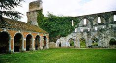 Ruines de l'abbaye de Mortemer,Lisors,Eure,France