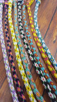 Diy Friendship Bracelets With Beads, Diy Bracelets With String, String Bracelet Patterns, Embroidery Floss Bracelets, Diy Bracelets Easy, Bracelet Crafts, Friendship Bracelet Patterns, Beaded Bracelets, Embroidery Floss Crafts