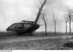 File:Bundesarchiv Bild 183-S34490, Tankschlacht bei Cambrai.jpg