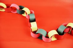So much fun to make you'll feel like you're in second grade again! 12 Days Of Christmas, Christmas Crafts For Kids, Diy Christmas, Kids Crafts, Xmas, Class Projects, Projects To Try, Paper Chains, Holidays And Events
