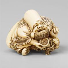 A very fine ivory netsuke of a laughing Fukurokuju, by Shûôsai. Early 19th century, Auction 1061 Asian Art, Lot 628