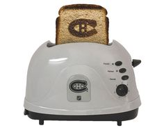 I two thing to say first i really want this toaster second Montréal canadiens is my favorite hockey and sports team overall.
