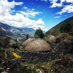 4-via-la_maribu  Among the most traditional villages in West Papua is Anggurak in Yali Country. Anggurak is accessible via a 4-6 day trek (one way) from Wamena.