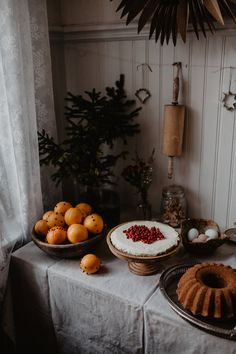 Combining Two Completely Different Materials in a Fascinating Way – Iittala Leimu Table Lamp Design by Magnus Pettersen Swedish Christmas, Christmas Kitchen, Merry Little Christmas, Scandinavian Christmas, Simple Christmas, Winter Christmas, Christmas Time, Christmas Baking, Christmas Feeling