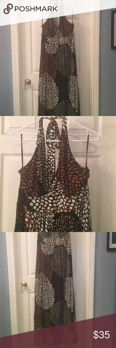 Banana Republic XL Maxi dress Super fun print, wearable, neutral colors. Perfect for daytime or can be dressed up for date night! Very flattering fit. Banana Republic Dresses Maxi