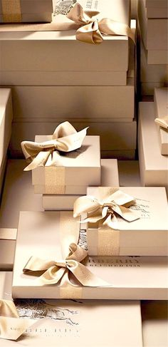 How absolutely lovely. festive gifts from Burberry - tone on tone gold with contrast finish, visual luxury cue. Wrapping Gift, Christmas Gift Wrapping, Luxury Packaging, Luxury Branding, Jewelry Packaging, Gift Packaging, Brown Paper Packages, Noel Christmas, Xmas
