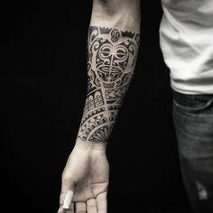 Tattoo do camarada Leonel!! #tattoooftheday #polynesiantattoo #polynesiantribal #maori #blacktattoo…