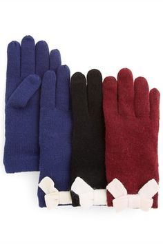 10 Cutest Touchscreen Gloves To Text And Tweet In #Seventeen