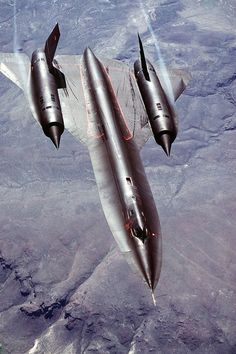 The Lockheed was an advanced, long-range, Mach 3 strategic reconnaissance aircraft developed from the Lockheed and aircraft by the Lockheed Skunk Works. Lockheed Blackbird: Air to air three-quarter-front view of a Strategic Military Jets, Military Aircraft, Fighter Aircraft, Fighter Jets, Photo Avion, Jet Plane, Aircraft Carrier, Airplanes, Women's History