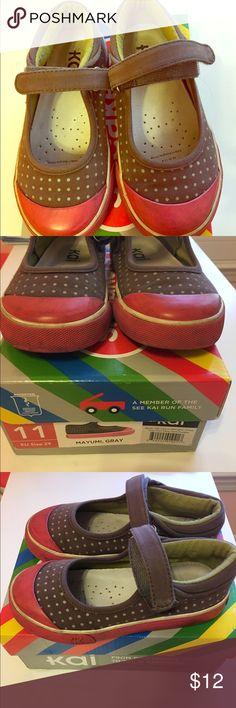 See Kai Run Mayumi sneakers Good condition, no holes or tears. See Kai Run Shoes Sneakers