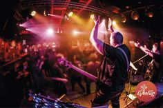 Did you know live bands that perform in pubs and concerts actually rock people's bodies? So let everyone know where you'll play and beat your way onto Eventus today!  Free down load iOS and Android 😎
