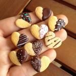 Chocolate covered heart biscuit *Miniature